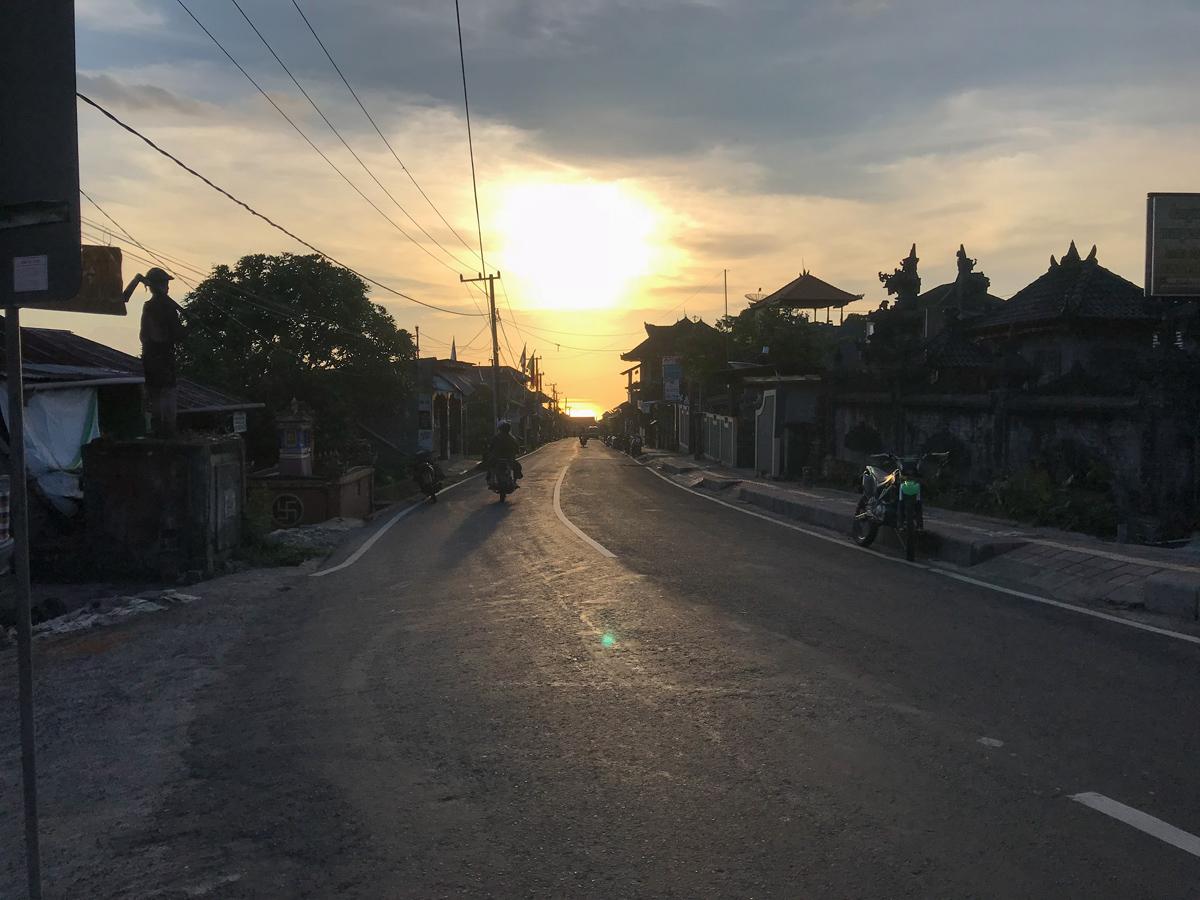 Indonésie Bali Munduk voyage montagne cascade waterfall village couché de soleil sunset