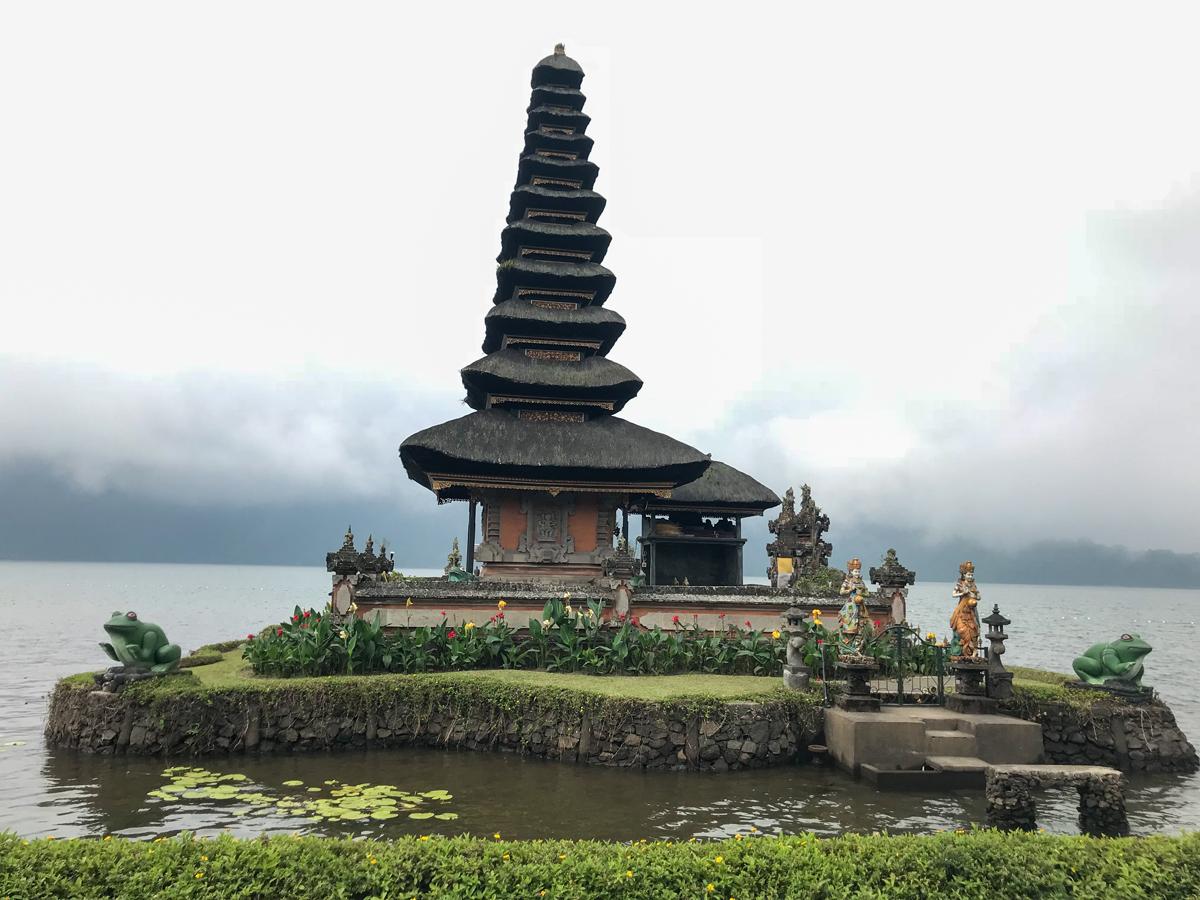 Indonésie Bali Munduk voyage montagne cascade waterfall Ulun Danu temple