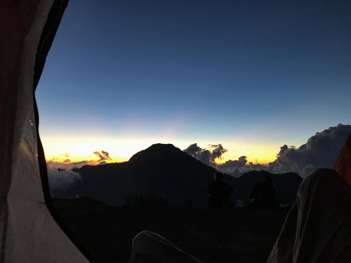 Indonesie Lombok Mont Rinjani tente levé de soleil