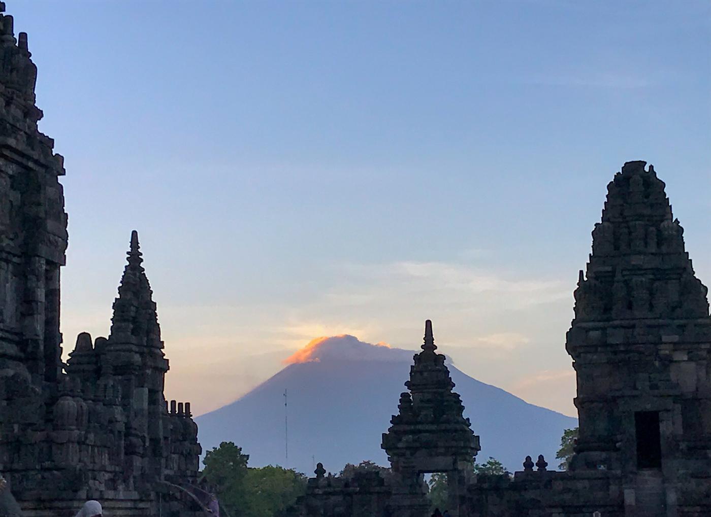 Prambanan Java Indonésie borobudur temple blog voyage Hindou Merapi Volcan