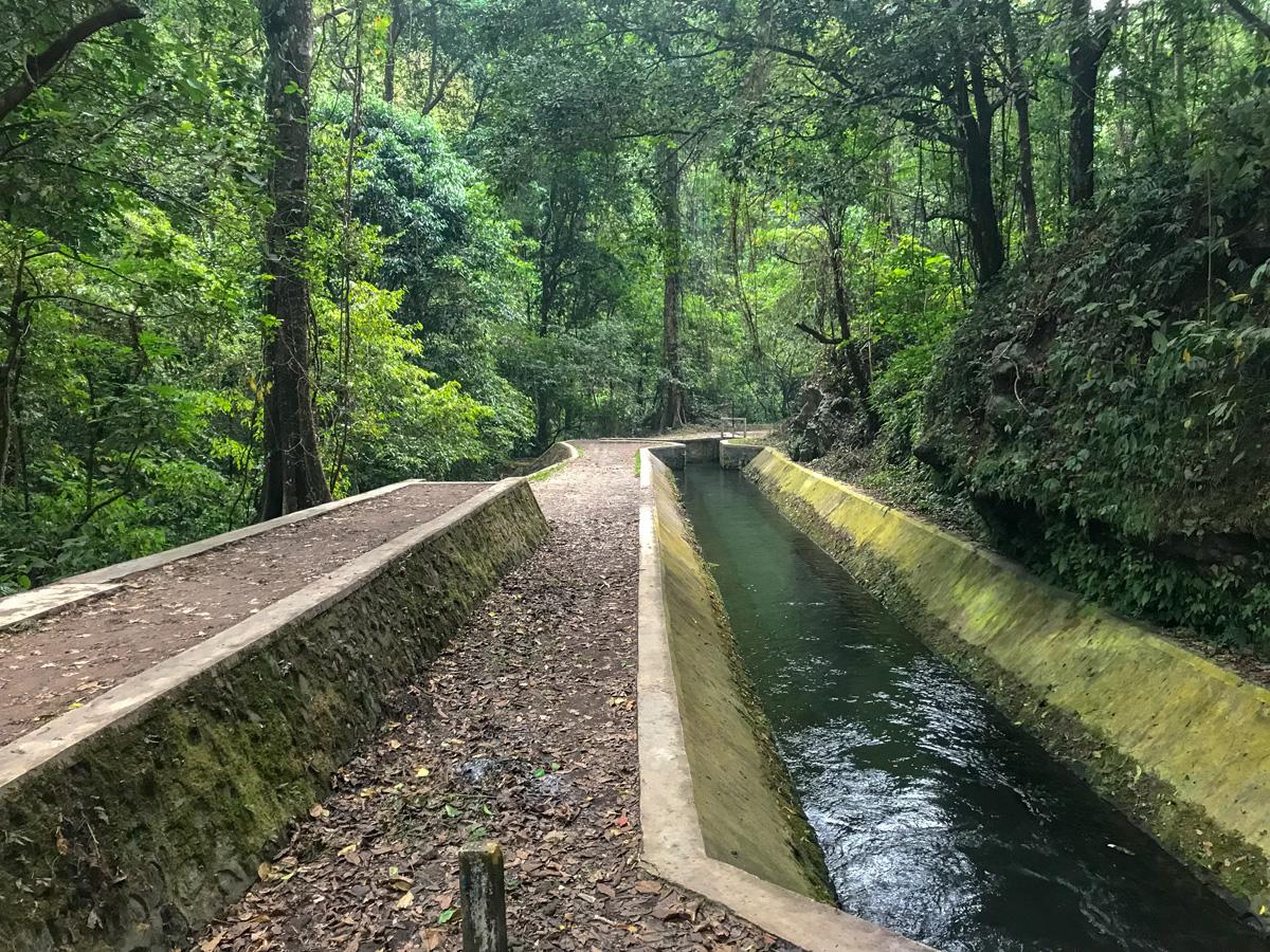 Indonesie Senaru Mont Rinjani canal
