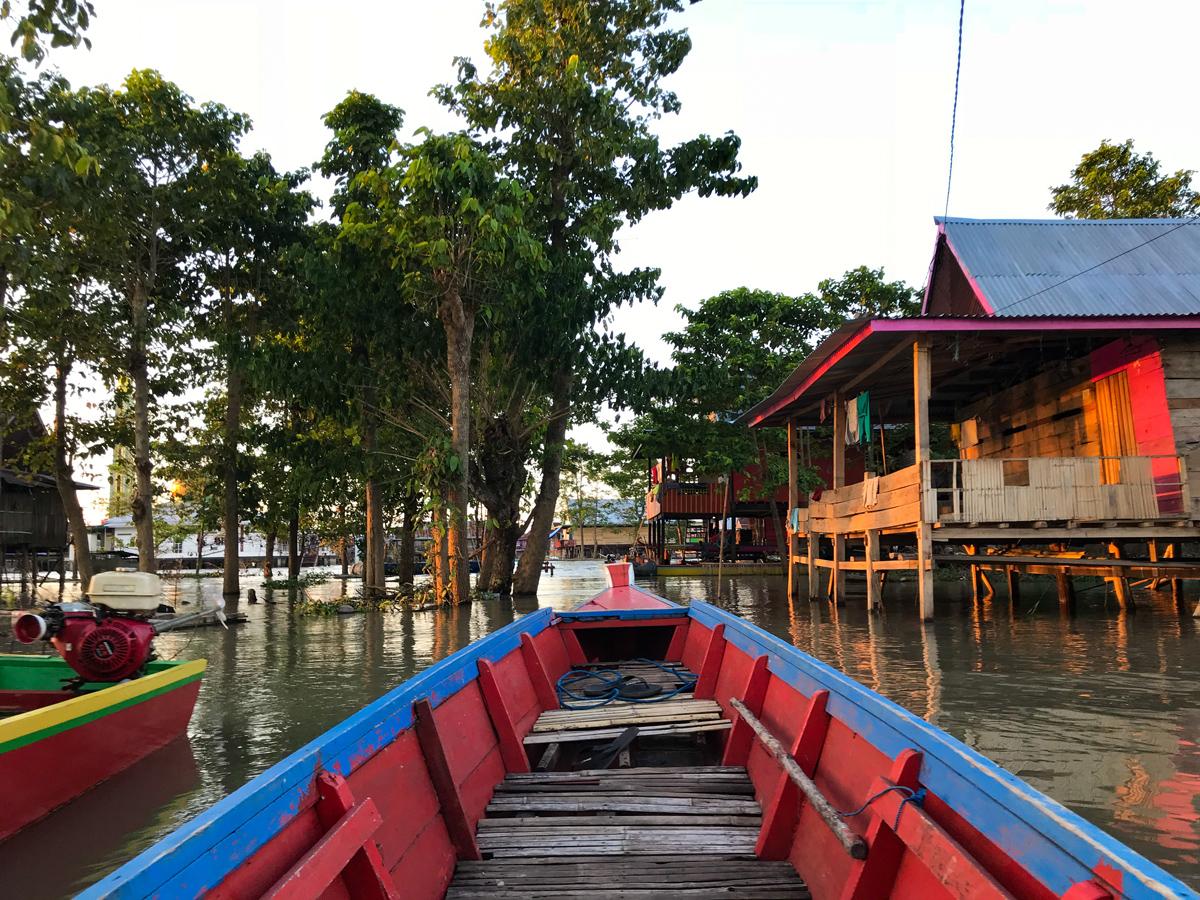 Tempe Lac Sulawesi Indonésie Village