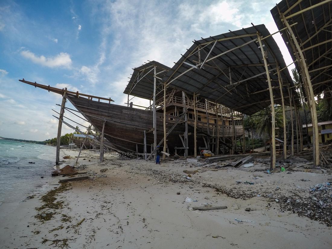 Pantai Bira Sulawesi Indonésie chantier bateaux