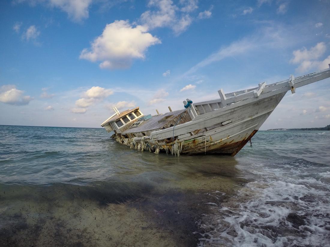 Pantai Bira Sulawesi Indonésie Bateau Epave