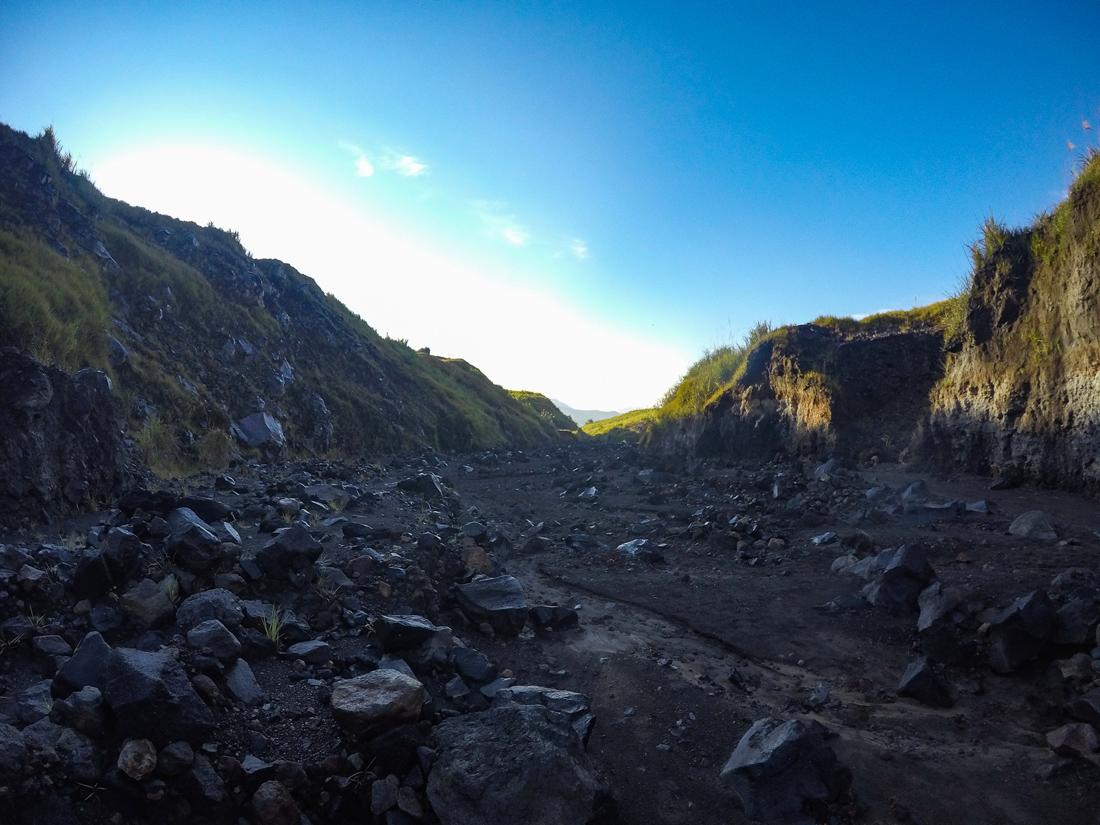 Tomohon Sulawesi Indonésie Volcan Lokon Lave