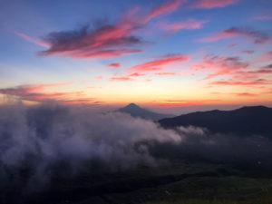 Tomohon Sulawesi Indonésie Volcan Lokon Lever de soleil
