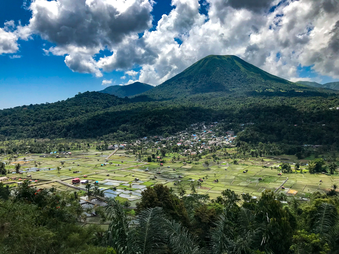 Tomohon Sulawesi Indonésie Volcan Lokon village
