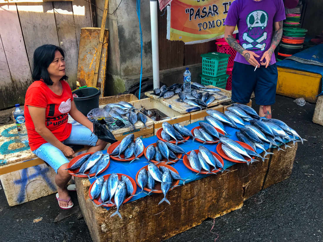 Tomohon Sulawesi Indonésie Marché poissons