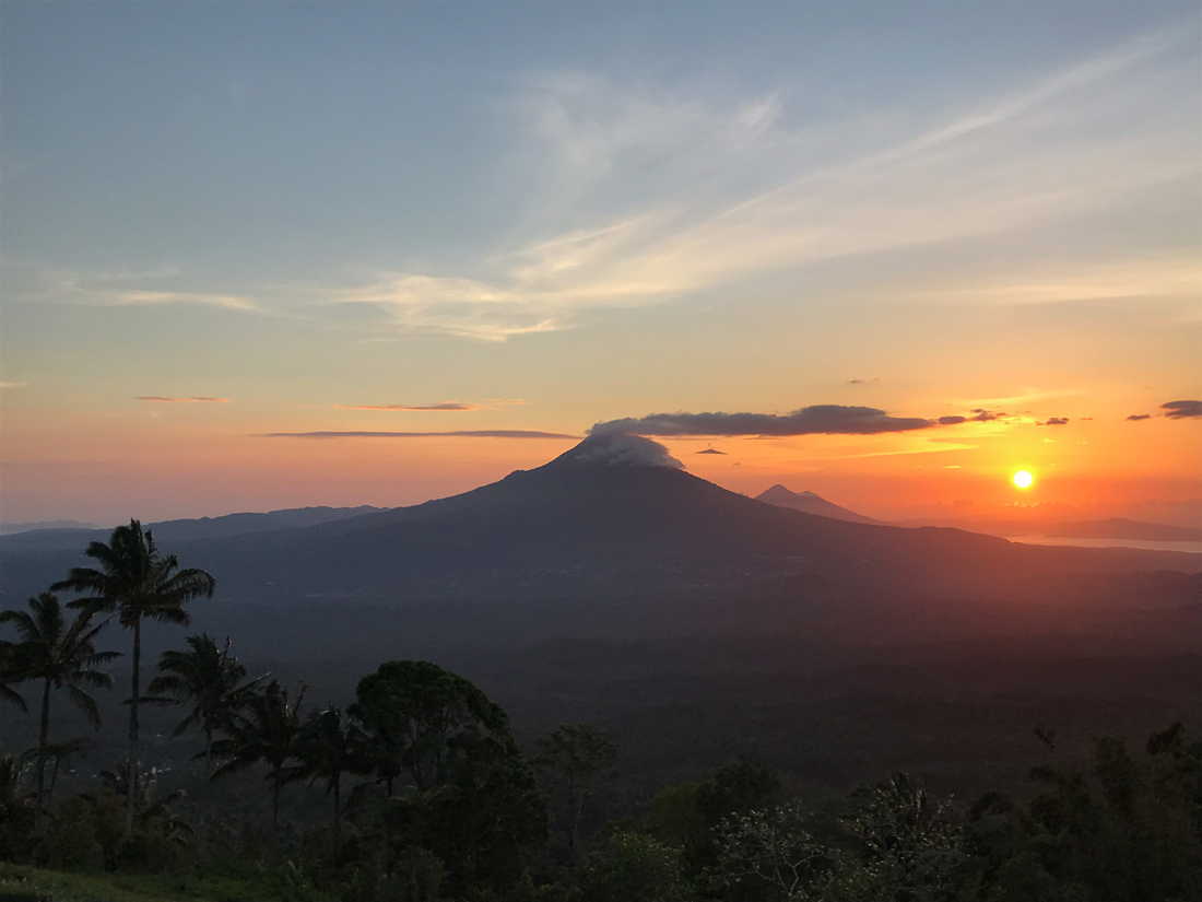 Tomohon Sulawesi Tetetana Lever de soleil