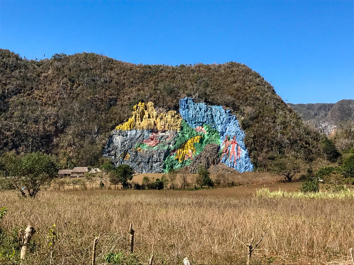 Le mur coloré de la Préhistoire de Vinales