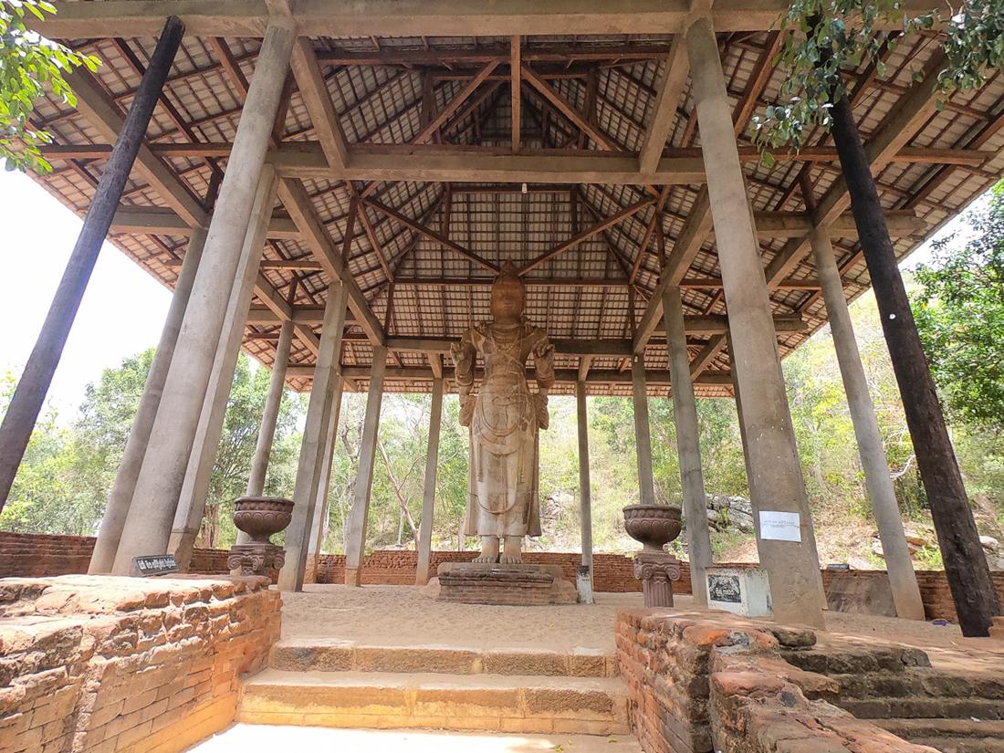 Sri Lanka Buttala Dambegoda Bosath