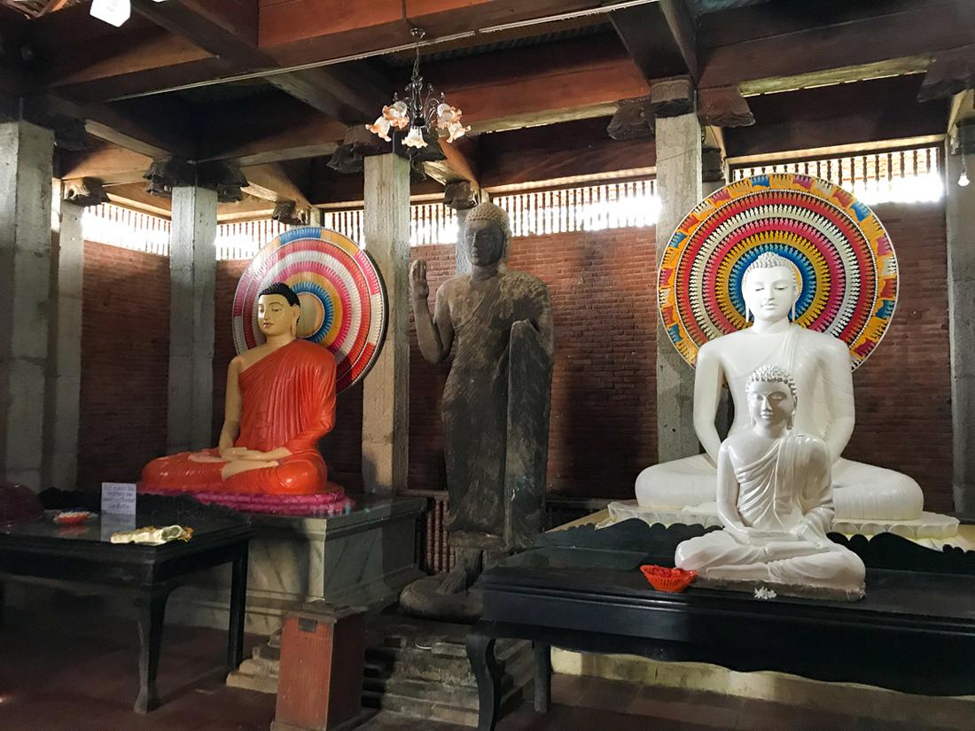 Sri Lanka Dematamal Viharaya Statue