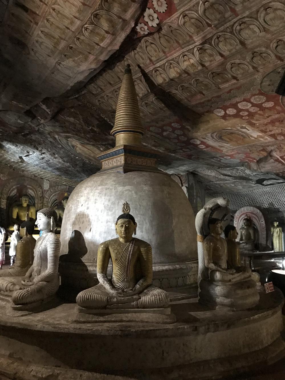 Sri Lanka Dambulla Cave Temple Bouddha Stupa Statues