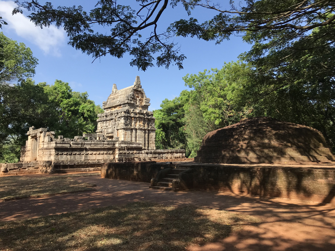 Sri Lanka Dambulla Nalanda Gedige Temple Pierre Bouddha Bouddhiste