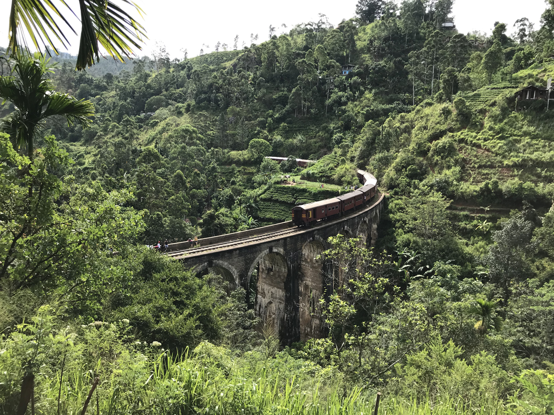 Sri Lanka Ella Montagne Nine arches bridge Pont Train
