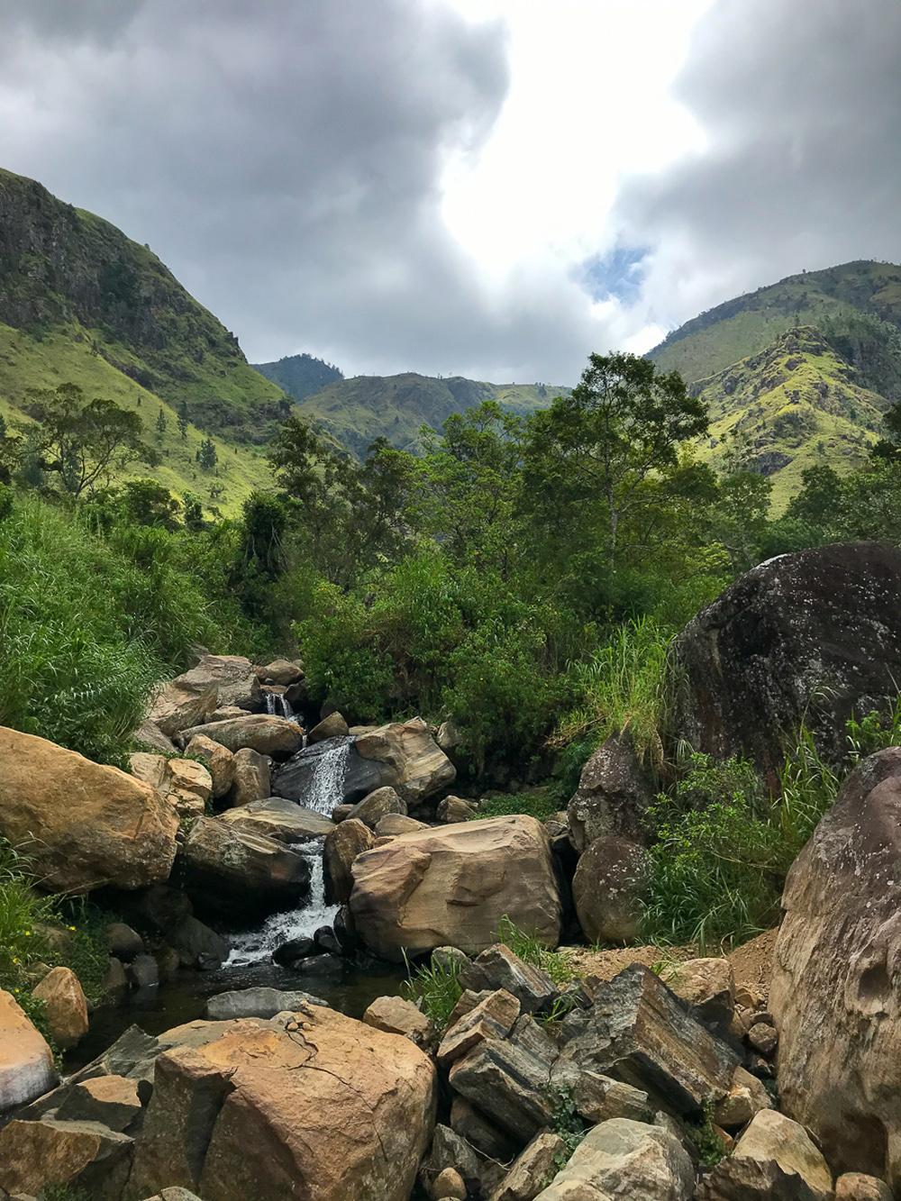 Sri Lanka Haputale Bambarakanda falls Cascade