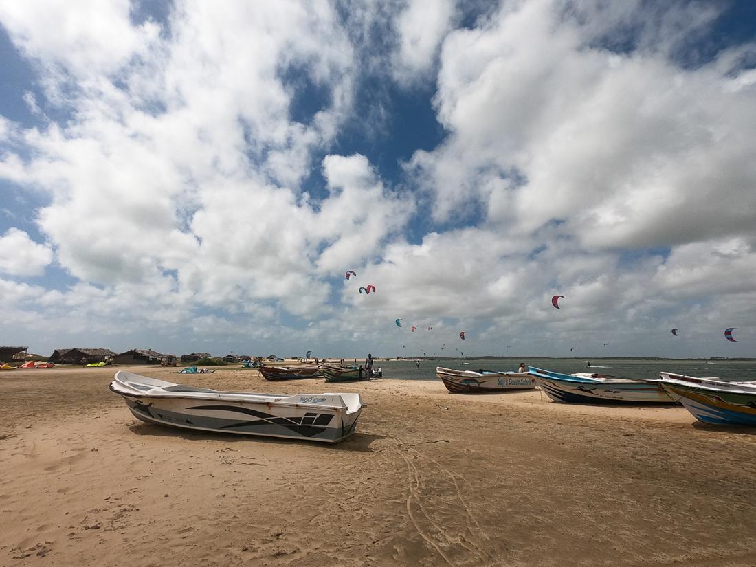 Sri Lanka Kalpitiya Kandakuli Plage Bateau Kitesurf