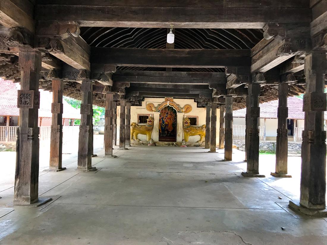 Sri Lanka Embekka Devale Kandy