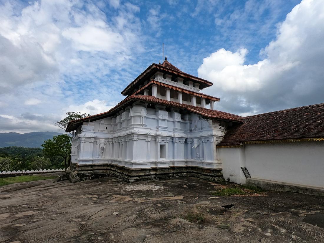 Sri Lanka Kandy Lankatilake Temple Bouddha