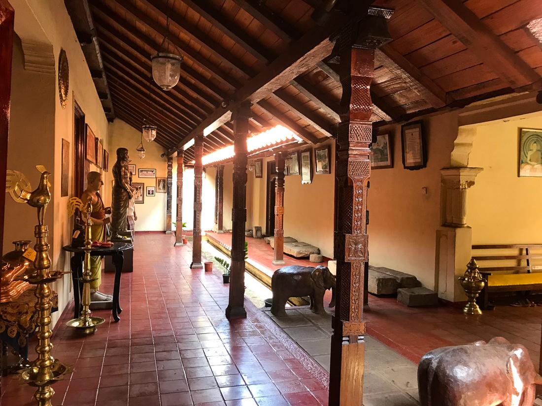 Sri Lanka Kandy Malwathu Temple Bouddha