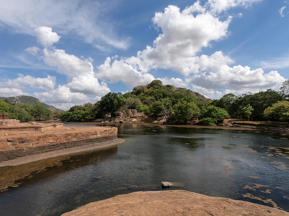 Sri Lanka Mihintale Kaludiya Pokuna Lac