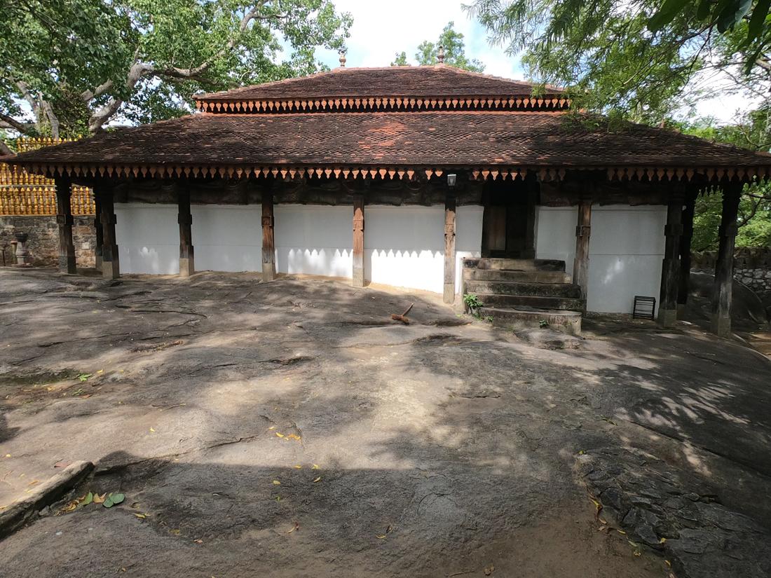 Sri Lanka Padeniya Temple