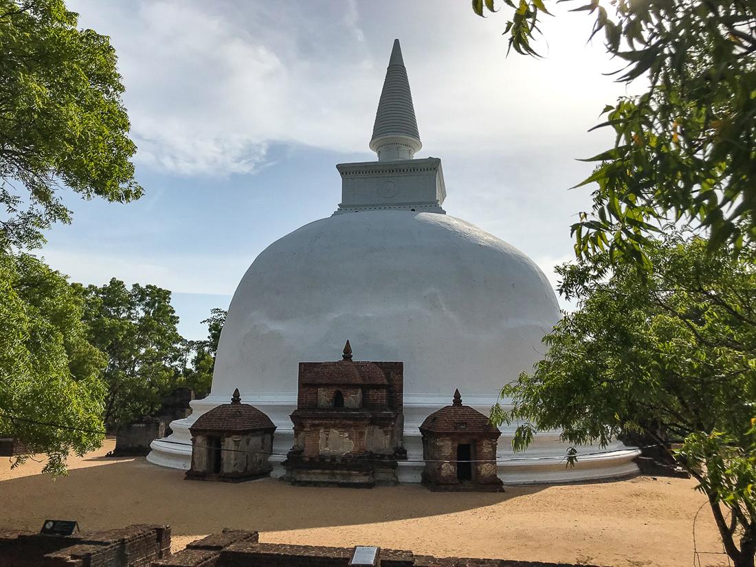 Sri Lanka Polonnaruwa Stupa Alahana Parivena Crematory