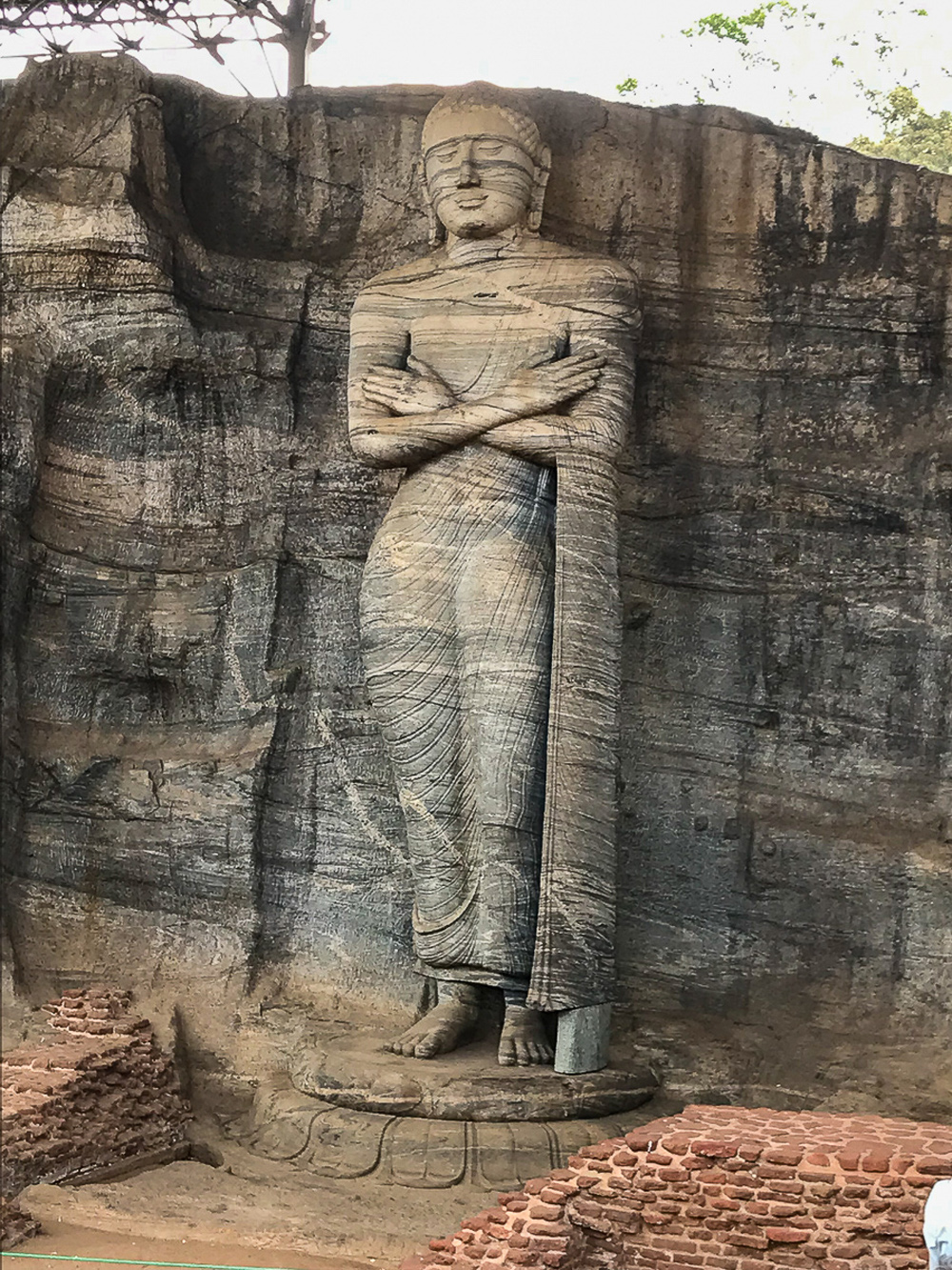Sri Lanka Polonnaruwa Gal Viharaya Bouddha Statue debout