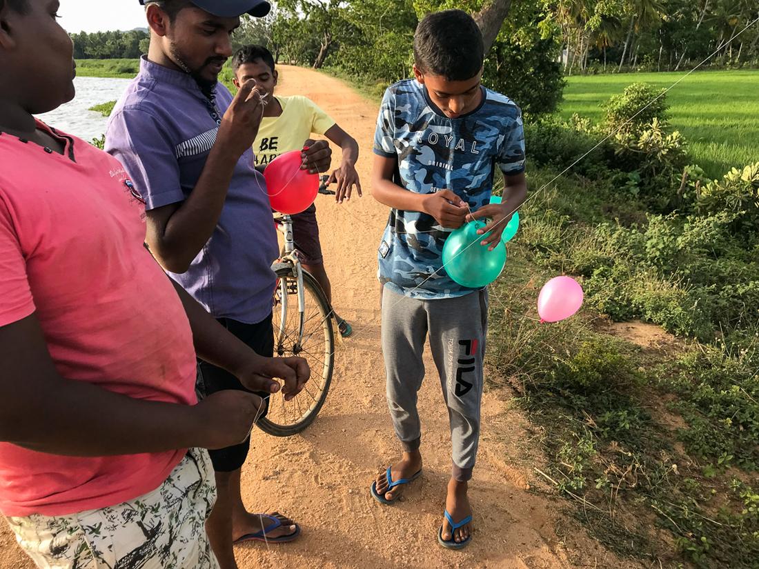 Sri Lanka Thissamaharama Cerf Volant Enfants