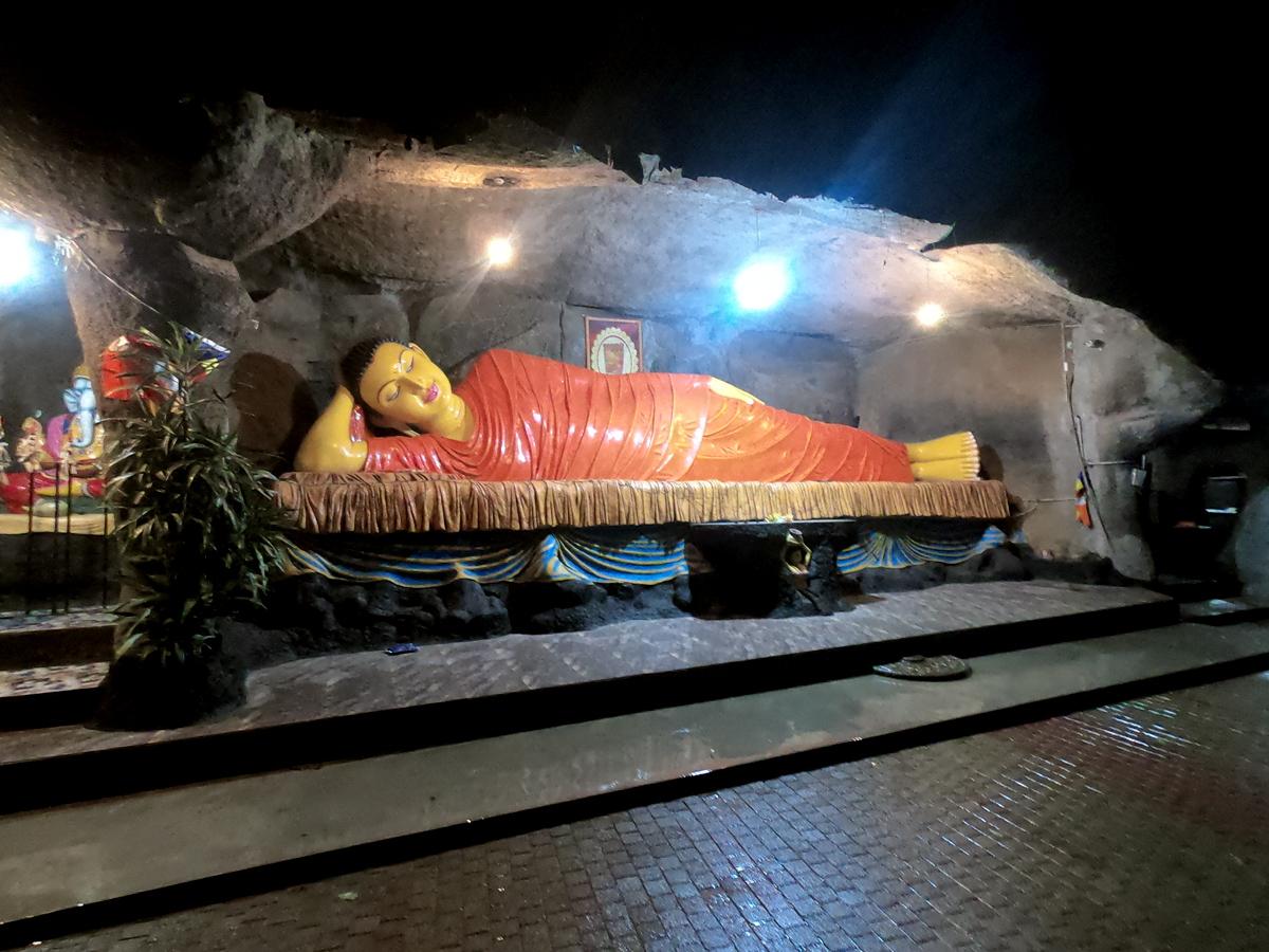 Sri Lanka Adam's Peak Sri Pada Temple Montagne Bouddha