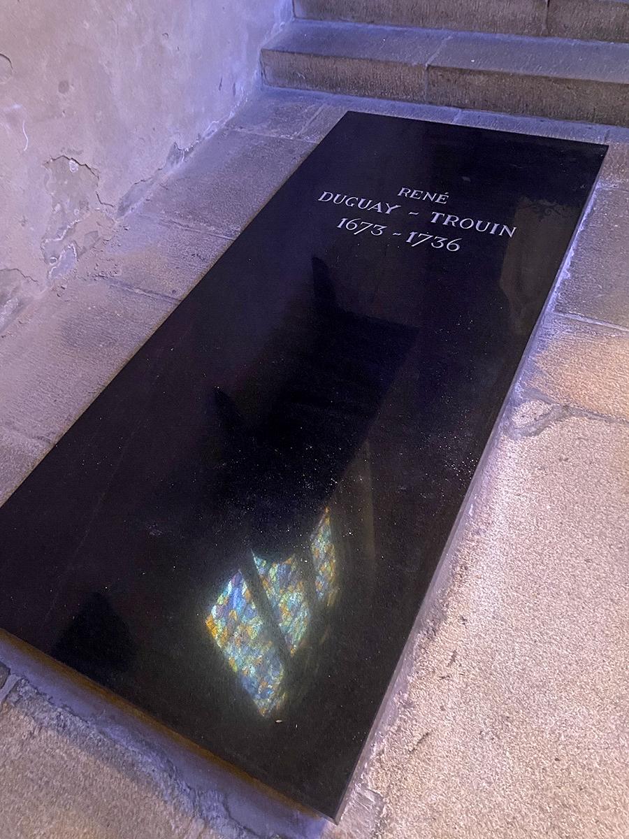 Tombeau du corsaire Duguay-Trouin dans la Cathédrale de Saint Malo