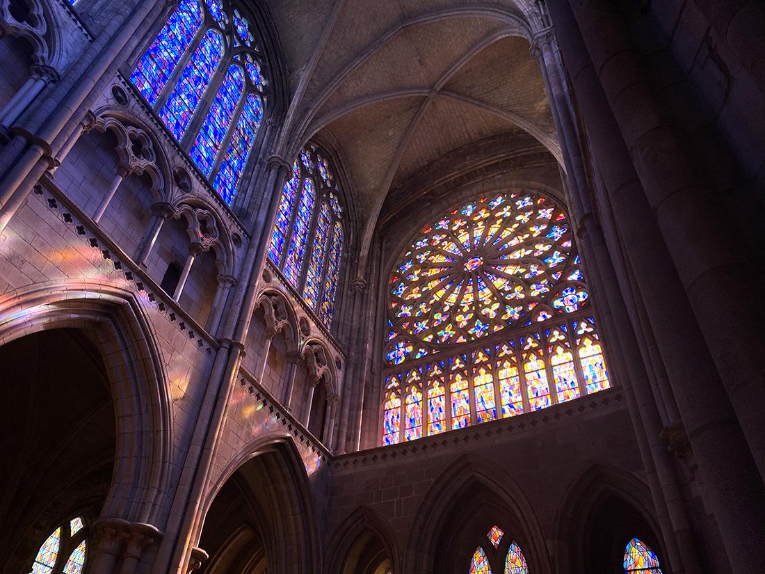 Vitraux et rosace de la Cathédrale de Saint Malo