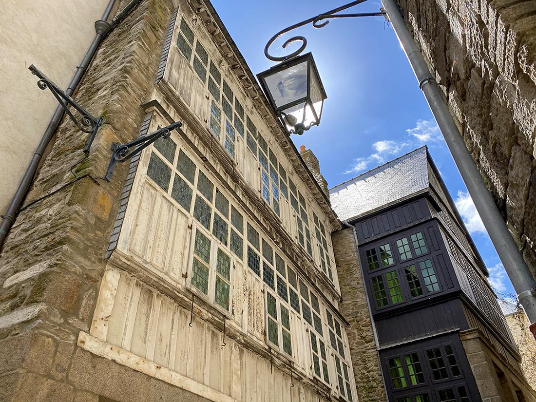 Ancienne maison avec façade vitrée à SAint-Malo