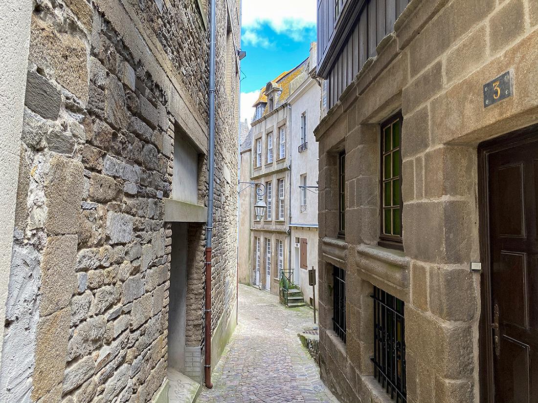Une ruelle dans Saint Malo