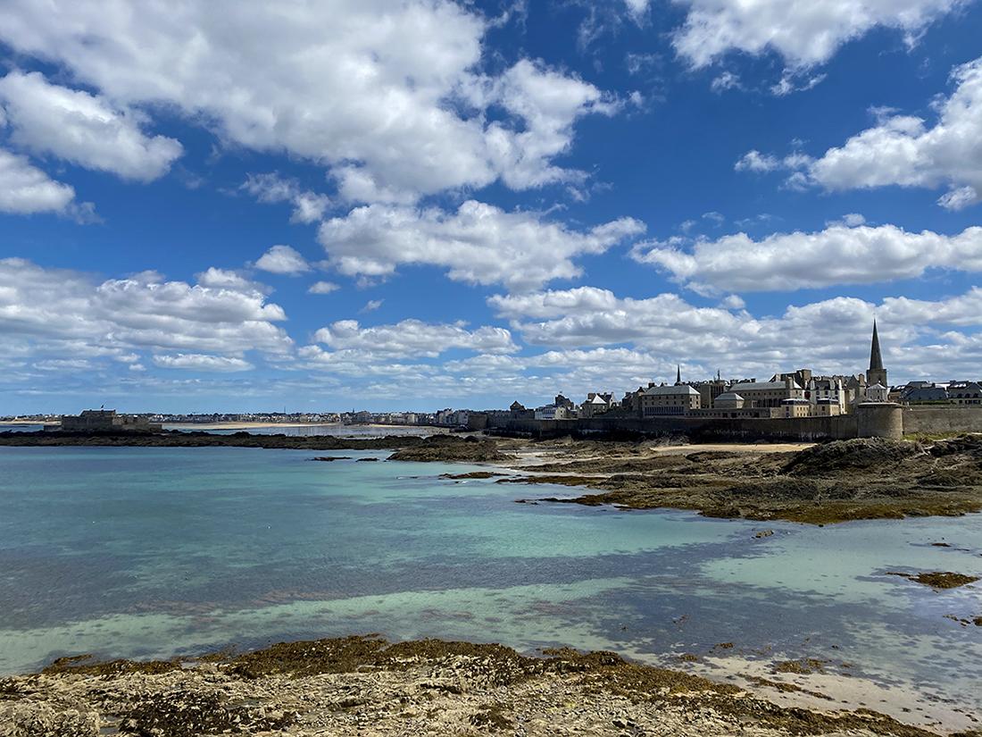 Vue de Saint Malo à marée basse