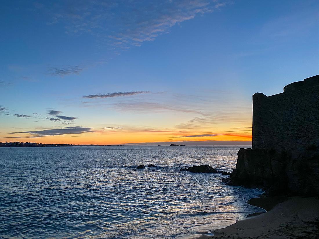 Coucher de soleil sur les remparts de Saint-Malo