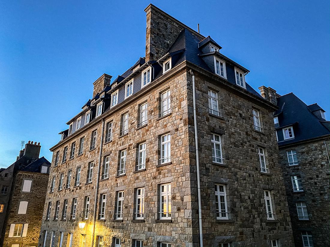 Maison d'poque au bord des remparts de Saint-Malo