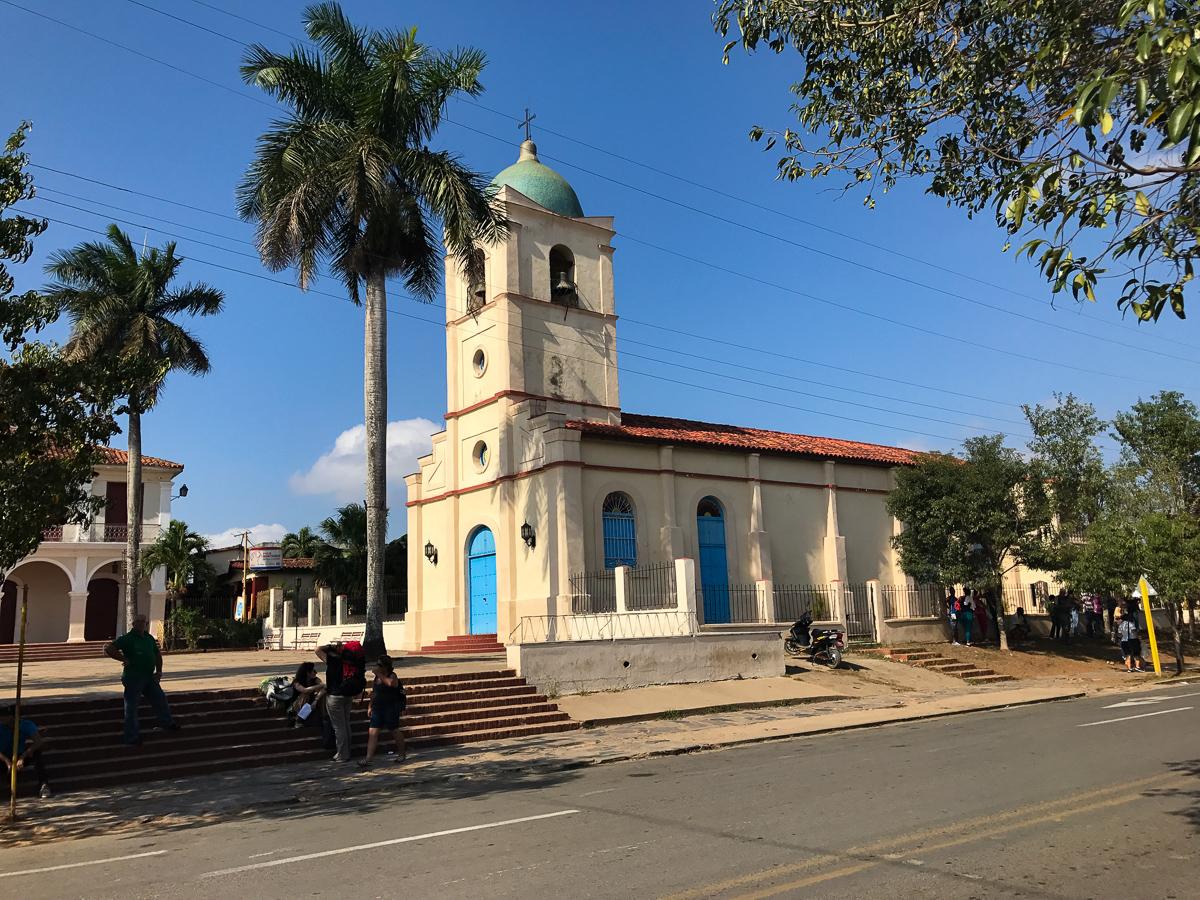 La place de l'église de Viñales