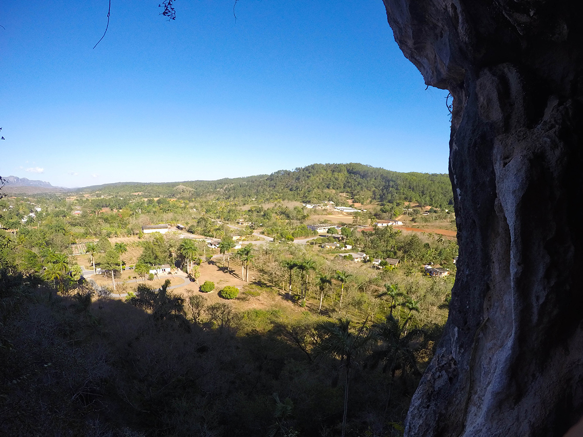 Vue depuis la grotte de Viñales